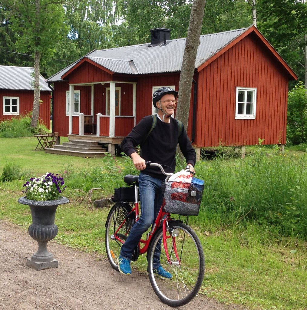Göran Enander county govenor biking from Sågarbo herrgård stuguthyrning
